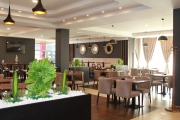 Restoran CENTRAL: Potreban konobar